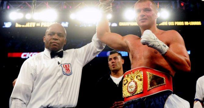 Боксер-супертяжеловес из Луганска стал претендентом на титул чемпиона мира по версии IBF