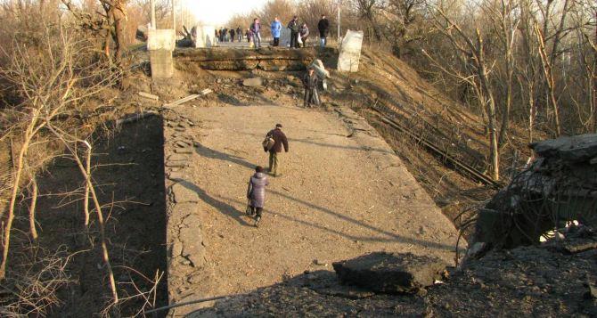 В ЛНР заявили о готовности отремонтировать мост, соединяющий Станицу и Луганск