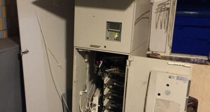 В райцентре под Харьковом взорвали и ограбили банкомат «ПриватБанка»