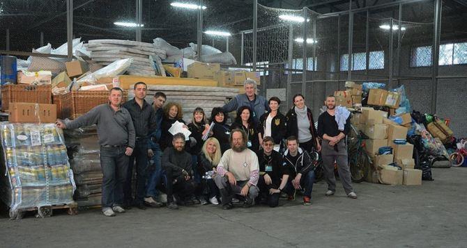 Чехи собрали для переселенцев почти 22 тонны гуманитарной помощи