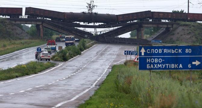 В Донецкой области посчитали, сколько нужно денег на ремонт дорог после боевых действий