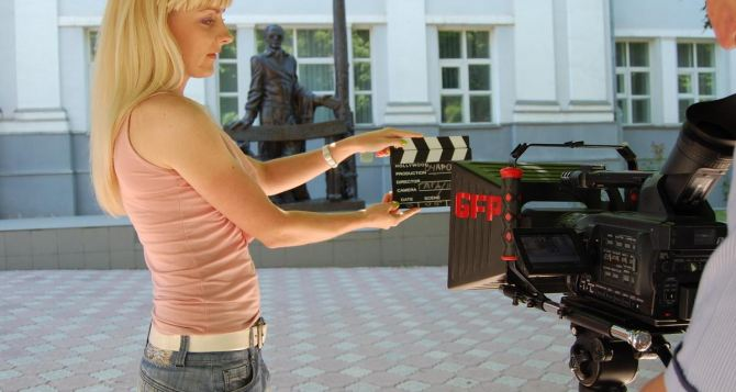 Культурные выходные в Луганске: как прошел конкурс рисунков, фестиваль граффити и кинематусовка? (фото)