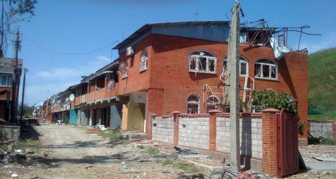 Последствия боевых действий в курортном поселке Широкино (фото)