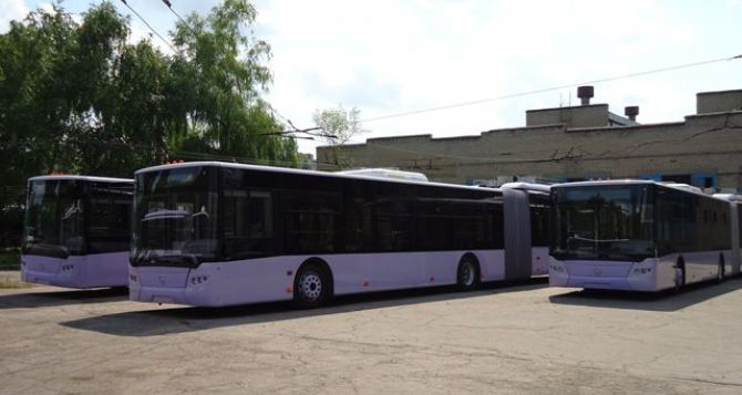 В Донецке выйдут на маршруты 4 новых троллейбуса (фото)