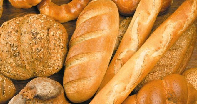 В Луганске выпекают 9 тысяч булок социального хлеба в сутки