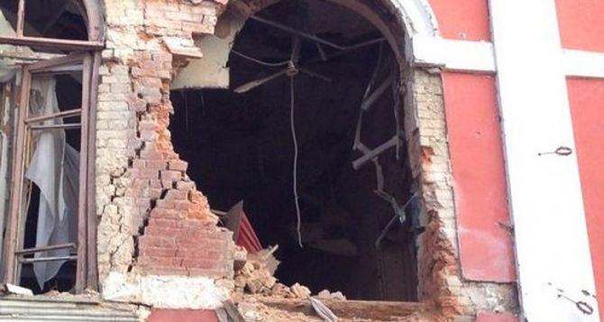 Музей истории и культуры Луганска, пострадавший от обстрела, восстановят ко Дню города