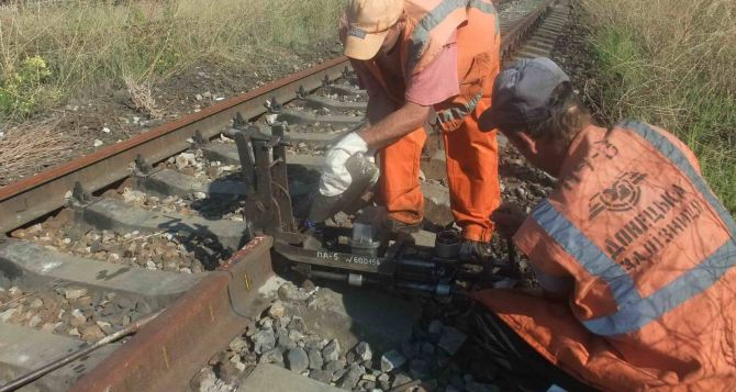 Как идут ремонтно-восстановительные работы в Донецкой и Луганской области? (фото)