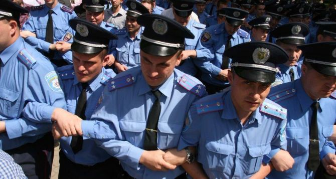 Харьковские правоохранители переходят на усиленный режим работы