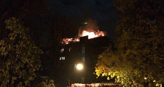В центре Харькова— большой пожар. Эвакуировали людей