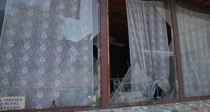 Ситуация в Сватово: боеприпасами повреждено более 35 домов