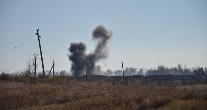 В Сватово нашли тела двух военных, погибших в результате пожара на складе боеприпасов