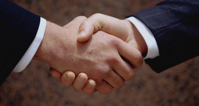Профсоюзы самопровозглашенной ЛНР и Абхазии подписали соглашение о сотрудничестве