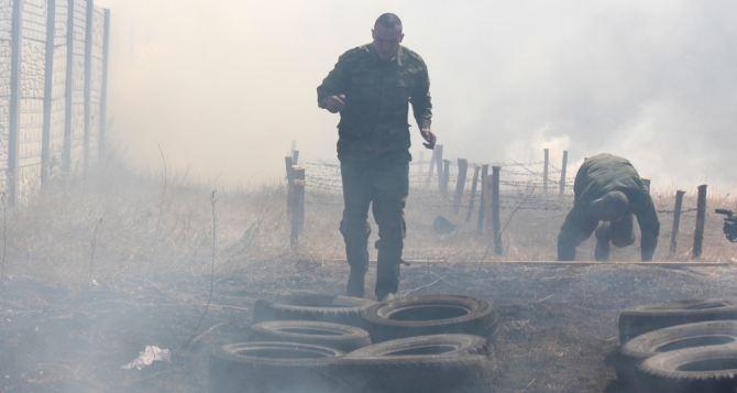 Призыва не будет: в народную милицию ЛНР набирают только добровольцев