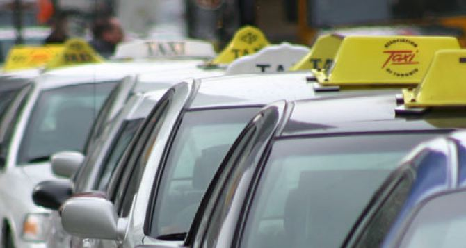 Харьковские таксисты подняли цены