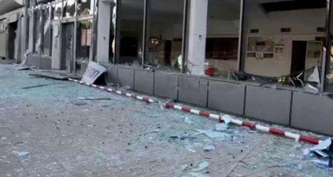 Разрушенные обстрелами автосалоны в Луганске могут признать бесхозными