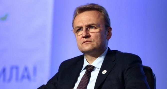 Садовый в Харькове  потребовал отставки Яценюка