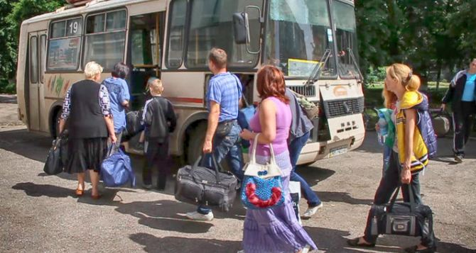 В Луганской области проверят 125 тысяч переселенцев