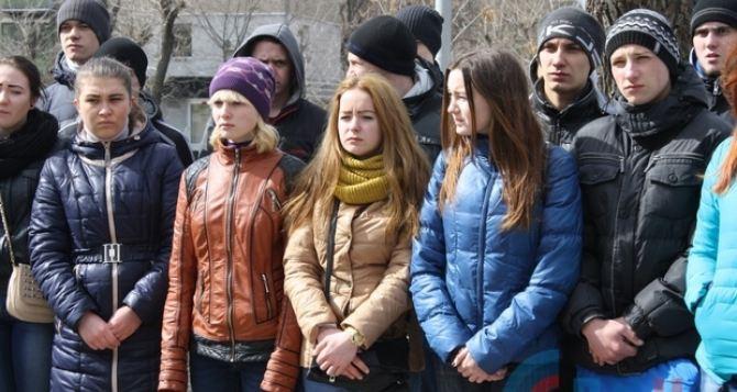 В Луганске почтили память жертв авиакатастрофы в Ростове-на-Дону