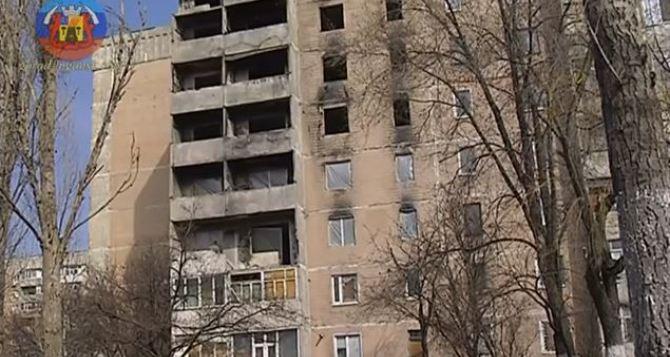 В Луганске приступили к восстановлению многоэтажки в квартале Южный (видео)