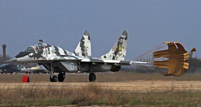 Харьковские курсанты впервые пересели с учебных самолетов на боевые