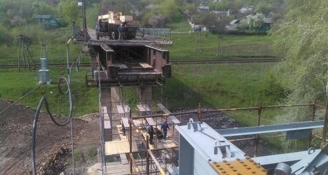 Продолжается восстановление моста между Лисичанском и Северодонецком (фото)