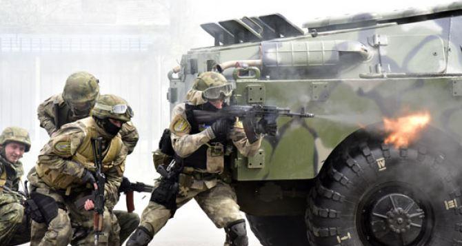 В Мариуполе отбили «штурм» здания главного управления полиции (фото, видео)