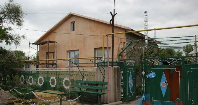 В ЛНР завершают отделочные работы в рамках программы «100 домов» (фото)