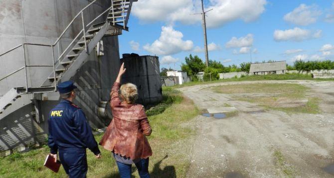 В Славяносербске проверяют состояние элеваторов (фото)