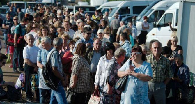 На пункте пропуска «Зайцево» большое скопление машин и людей