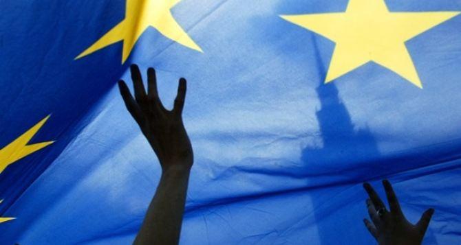 В Европарламенте проголосовали за отмену виз для украинцев