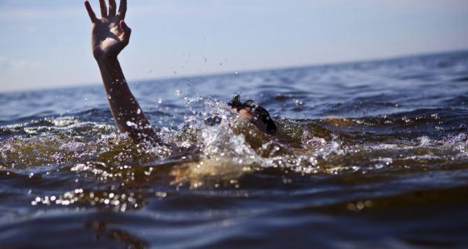 На Успенском водохранилище спасли двух луганчан