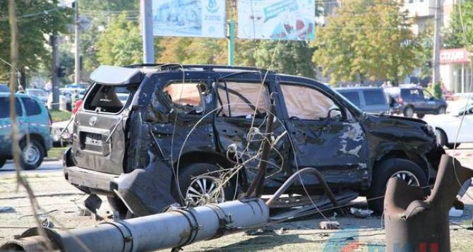 Фото и видео с места покушения на Плотницкого в Луганске