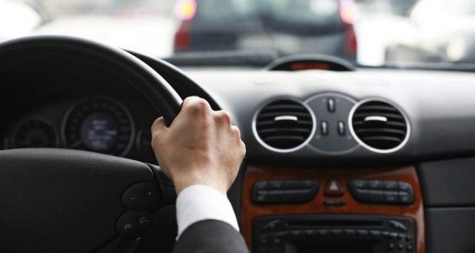 В самопровозглашенной ЛНР утвердили учебную программу подготовки водителей