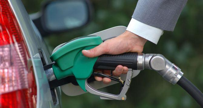 Стоимость бензина на заправках в Луганске