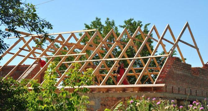 Почти 700 жителей Луганска восстановили тепловой контур поврежденного жилья
