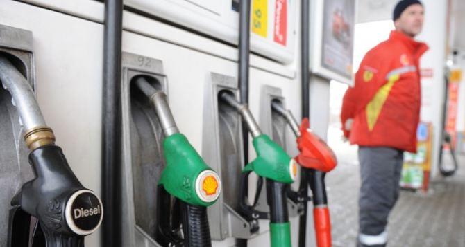 Сколько стоит бензин в Луганске?