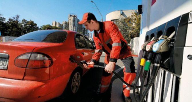На украинских заправках дорожает газ