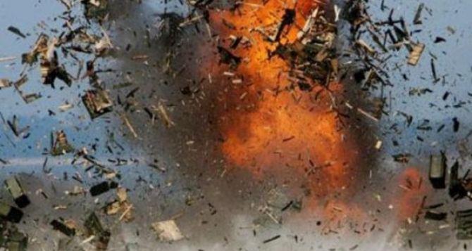 Взрыв военкомата в Шахтерске. Есть раненые
