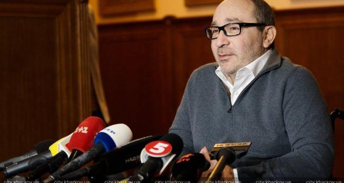 Кернес связал обыски в Харькове с политикой и местью