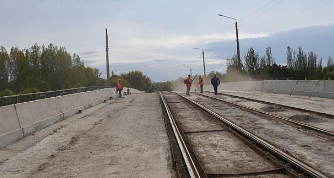 Ремонт путепровода в Константиновке завершится к середине ноября