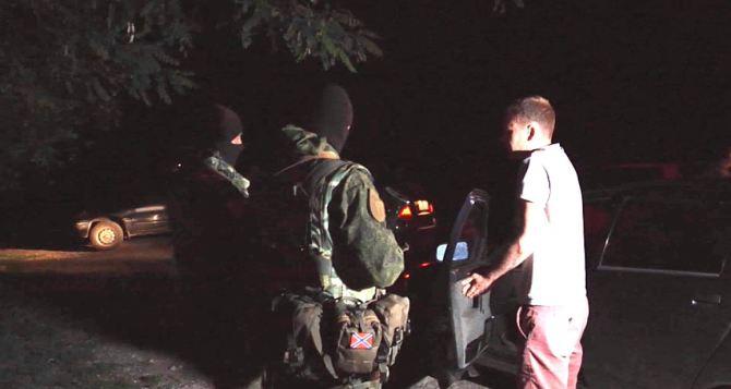 В Луганске за нарушение комендантского часа задержали 127 человек