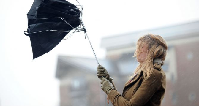 В Луганске ожидается усиление ветра до 20 м/с
