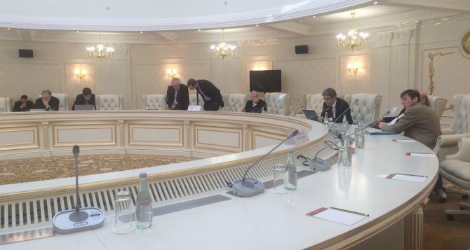 В Минске начали заседания две подгруппы по Донбассу