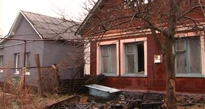 В Перевальске 8-летний мальчик вынес из горящего дома младшего брата (фото)