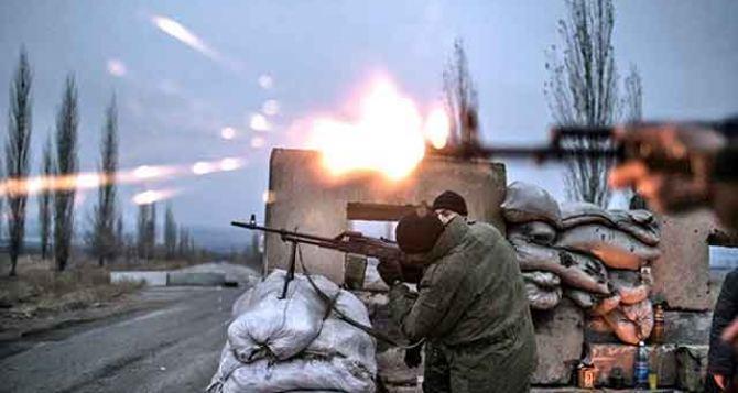 Киевские силовики обстреливали из орудия БМП и пулеметов район памятника князю Игорю — Народная милиция