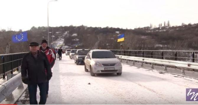 Открыт восстановленный мост между Лисичанском и Северодонецком (видео)
