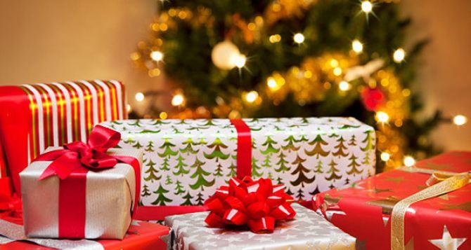 Налогообложение новогодних подарков детям сотрудников в 2016 году