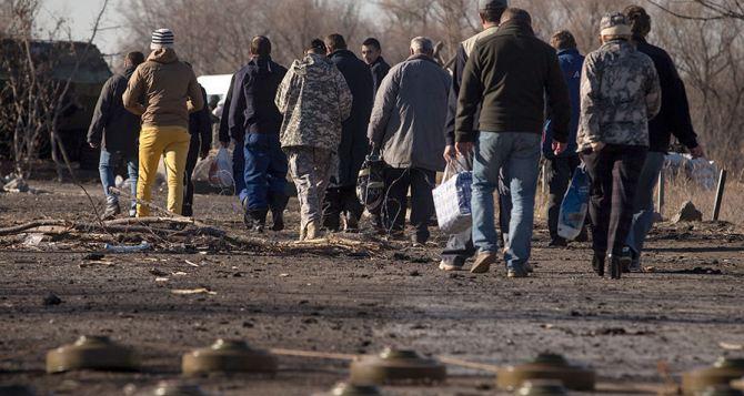 Минобороны Украины выделило 8 млн грн. на выплаты семьям пленных на Донбассе