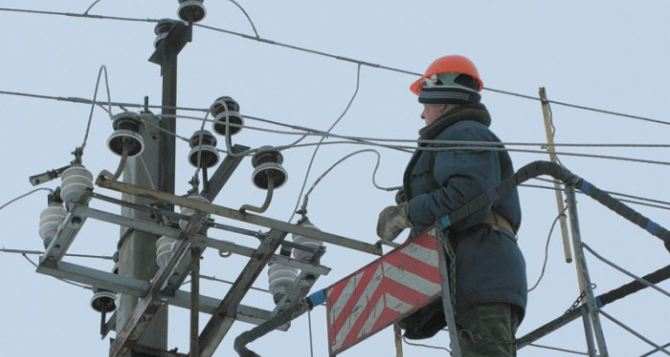 В Дебальцево из-за обстрела без света остались 500 домов