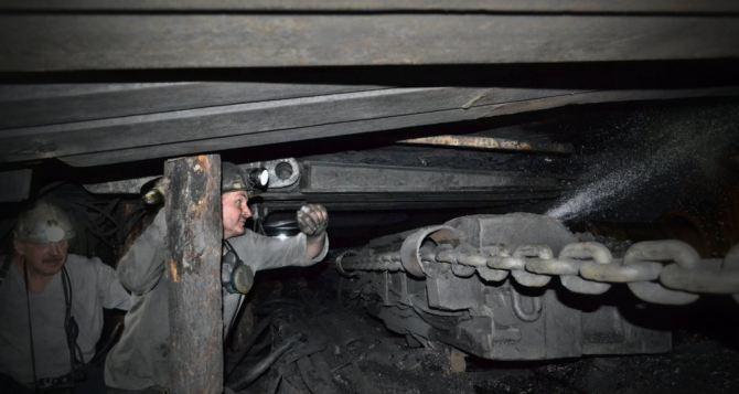 На шахте «Комсомольская» ввели в эксплуатацию новую лаву
